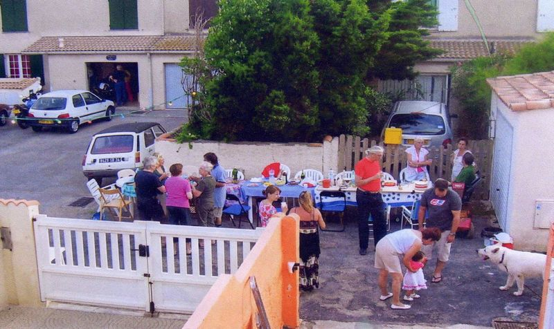 Fête des voisins, rue du Faubert, 2008